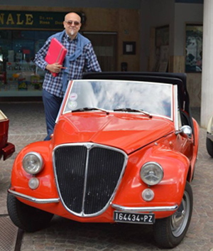 Giancarlo Passarella con la sua 500 elaborata