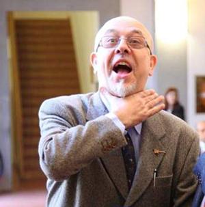 Giancarlo Passarella si autostrozza