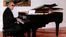 nella-foto-il-m%c2%b0-giusto-franco-al-pianoforte